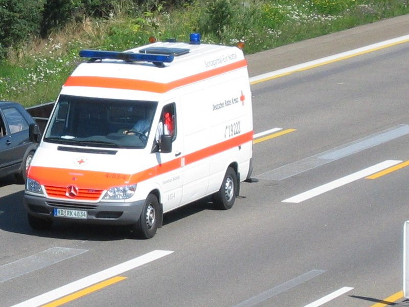 Mercedes Benz Sprinter Deutsches Rotes Kreuz