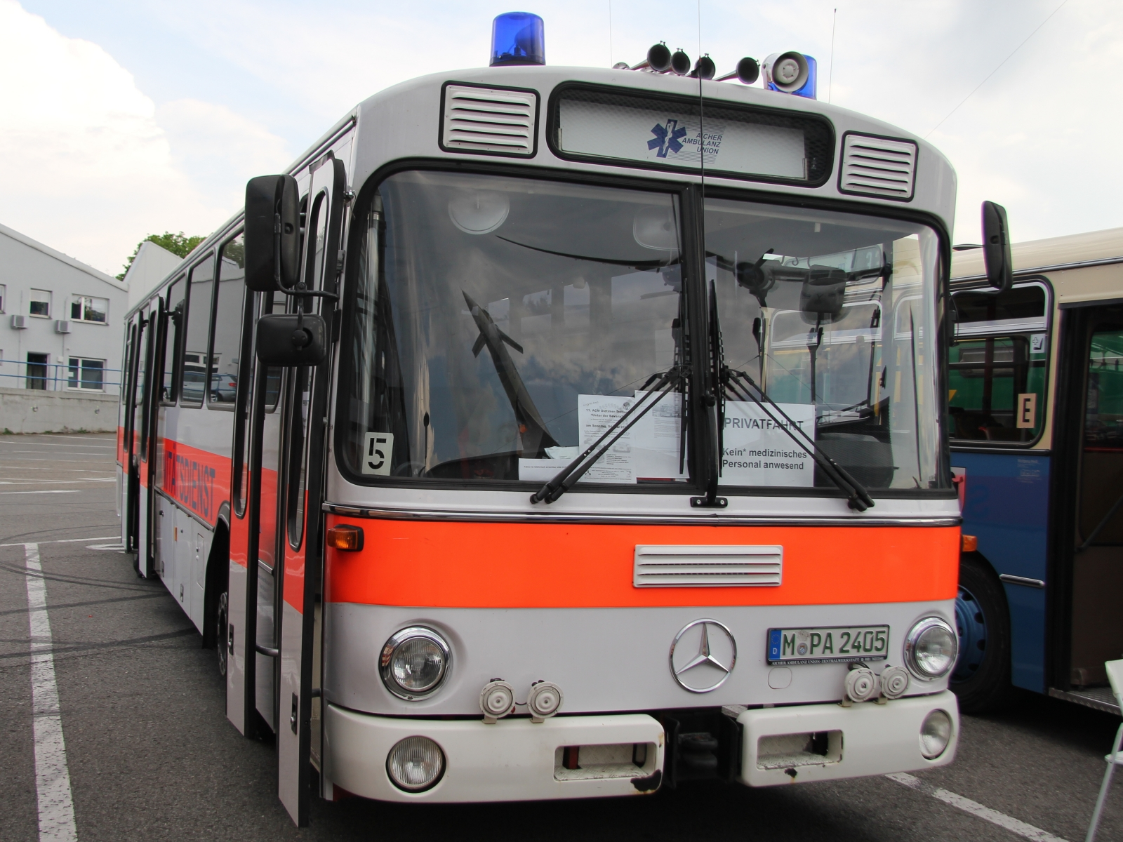 Mercedes Benz O 307 Sanitätsdienst