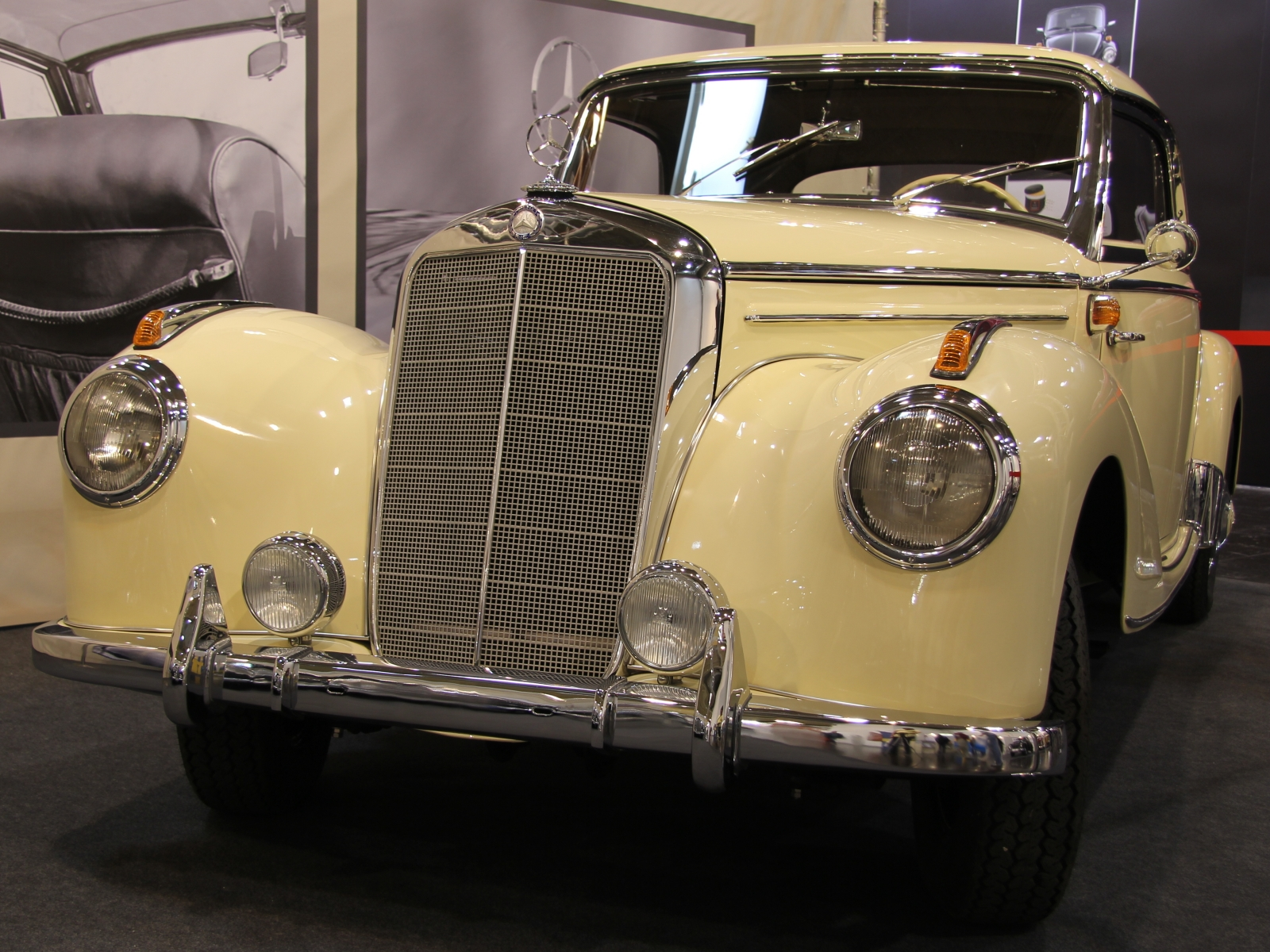 Mercedes Benz 220 Coupé W 187